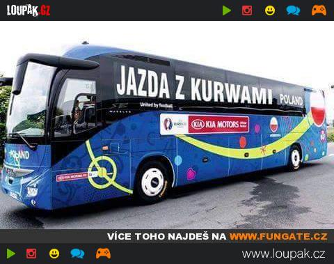 Autobus Polskych Fotbalistu Na Me Ve Francii Loupak Cz