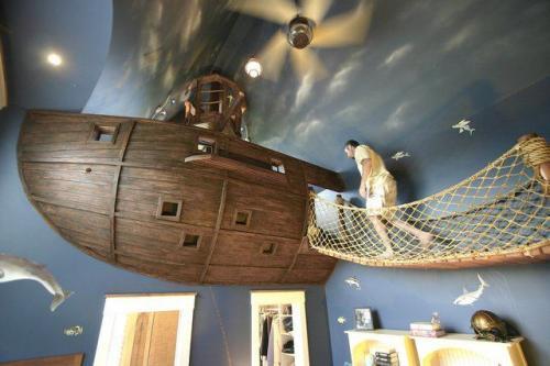 Loď v domě