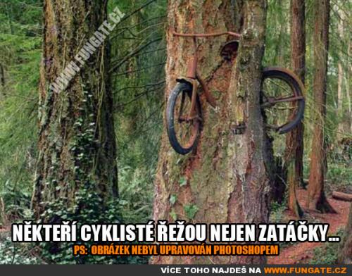 Někteří cyklisté řežou nejen zatáčky