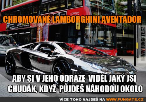 Chromované Lamborghini Aventador