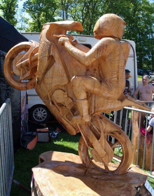 motorka ze dřeva