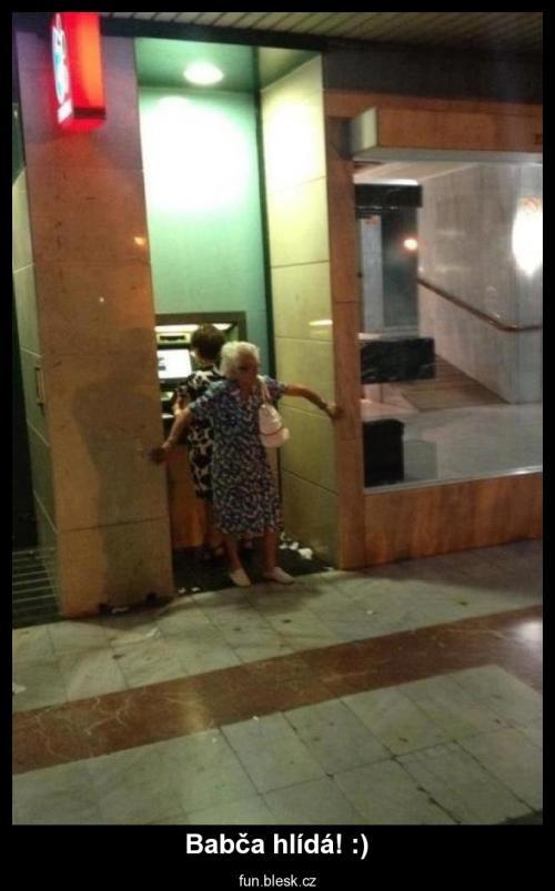 Babča hlídá! :)