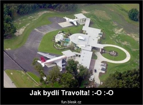 Jak bydlí Travolta
