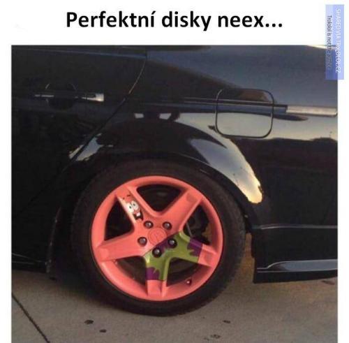 Disky neex