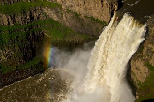 Kajak na vodopádě