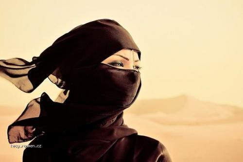Dubai woman