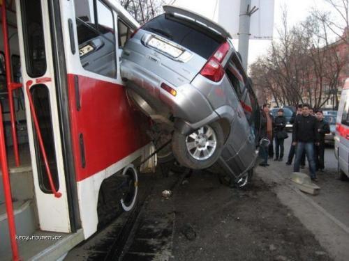 tramvaj vs auto 3