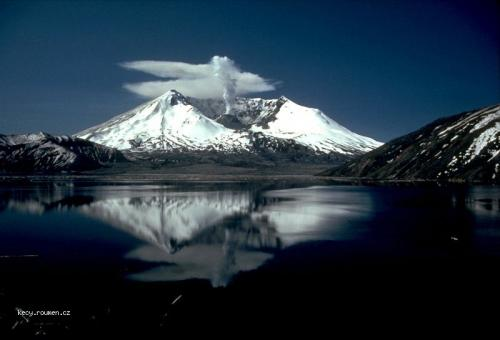 st helens spirit lake reflection