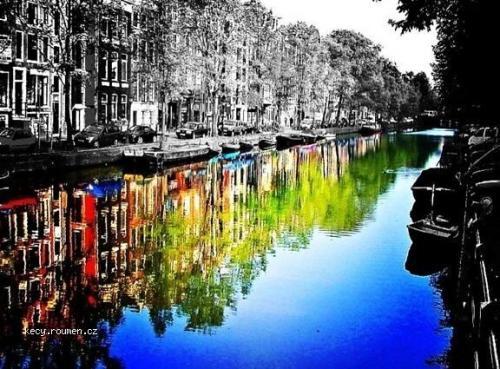 Colour canal