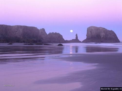 Moonset over Coquille Point 2C Oregon Islands 2C Oregon