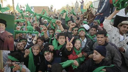 co v tv a novinach neuvidite  Libyjsky lid podporujici Kaddafiho