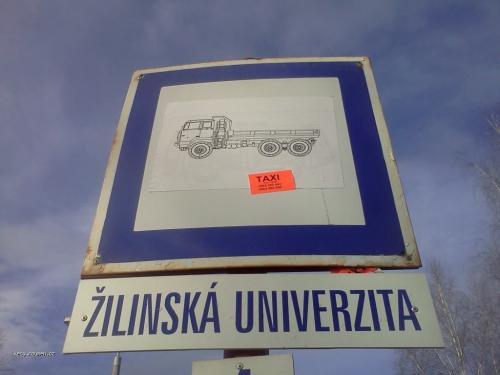 Univerzita zastavka