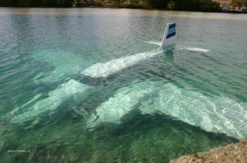 amphibious airplane