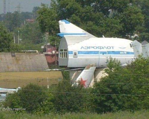 Z letadla chalupa