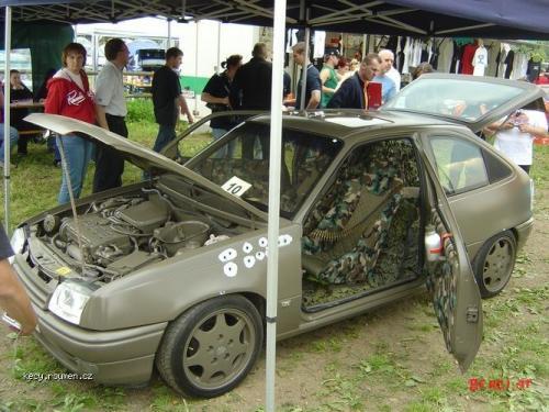 Armadni Opel Kadett 2