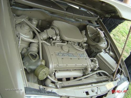 Armadni Opel Kadett 8
