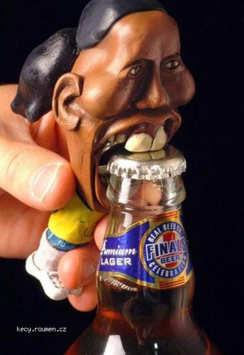Ronaldinho bottleopener