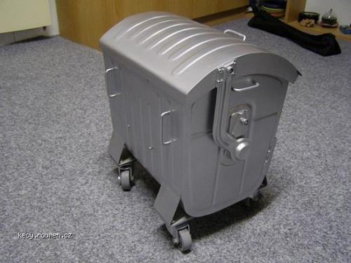 kastle kontejner 1