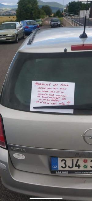 Vzkaz na autě