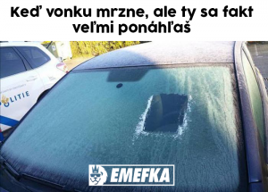 Když máš u auta zmrazené celé čelní sklo