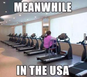 Mezitím v americké posilovně