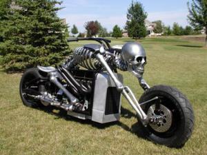 kostlivec motorka