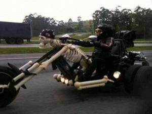 pekelnej motorkář