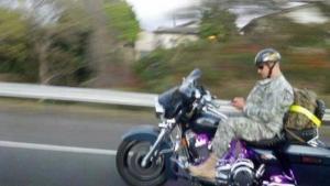 Nuda na motorce