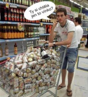 Chlap na nákupech