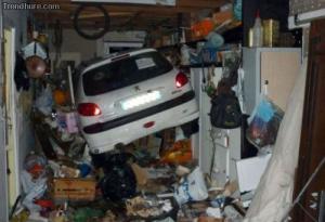 Pořádný nepořádek v garáži