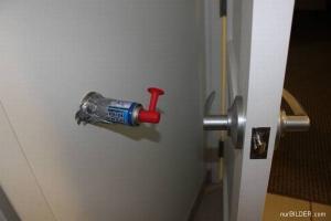 Pozor na otevírání dveří