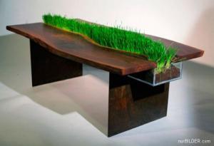 Originální stůl s trávou