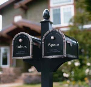 Klasická pošta vs. spam