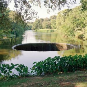 Díra v řece