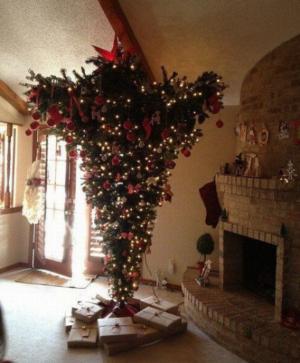 Vánoční strom obráceně