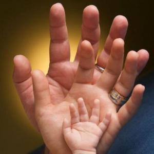 Větší a menší dlaně