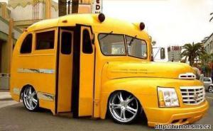 Moderní autobus