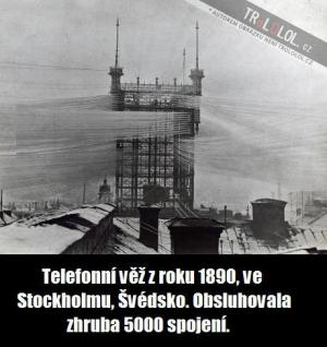 Telefonní věž