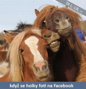 když se holky fotí na FB