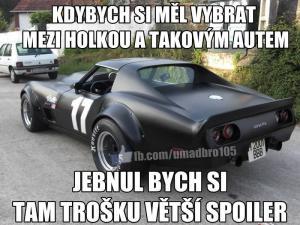 Auto nebo žena?
