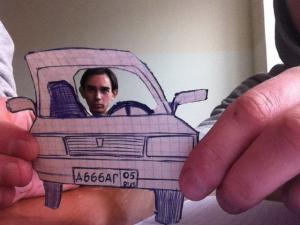Namalované auto s řidičem