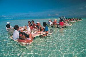 Oběd v moři