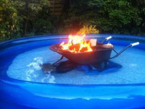 Grilování v bazénu