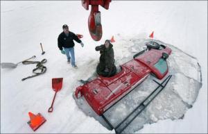 Auto v ledu
