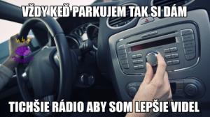 Při parkování auta