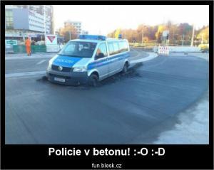 Policie v betonu! :-O :-D