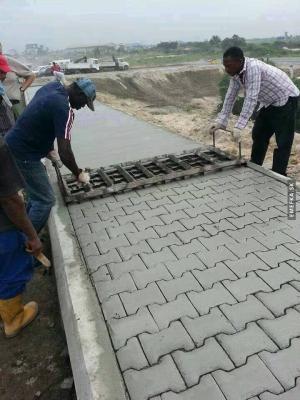 Jak se dělají v Africe chodníky