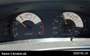 Když půjčíš holce auto