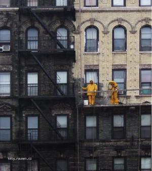 umyvanii domu v Manhattanu