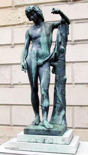zaujimava socha